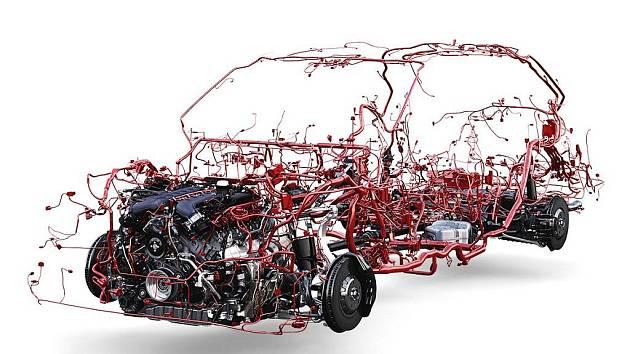 Bentley Bentayga má 50 kilogramů kabelů.