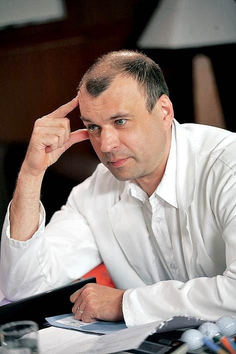 Petr Rychlý v roli Čestmíra Mázla