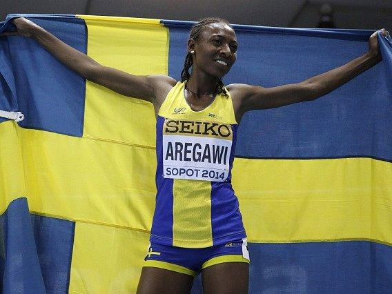Abeba Aregawiová s vlajkou Švédska