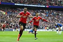 Gejzír radosti. Anthony Martial poslal Manchester do finále poháru