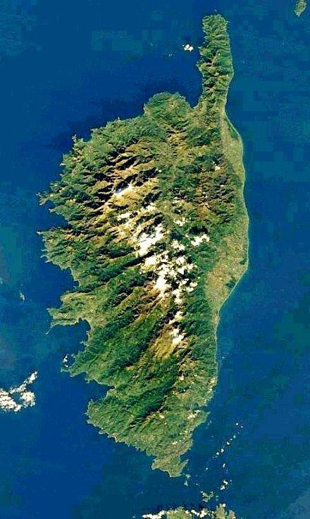 Ostrov Korsika na satelitním snímku