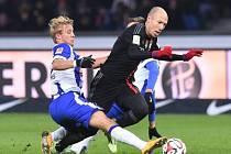 Arjen Robben (vpravo) zajistil Bayernu Mnichov výhru nad Herthou Berlín.