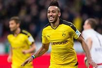 Pierre-Emerick Aubameyang z Dortmundu rozhodl šlágr s Leverkusenem.