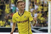Střelec Dortmundu Marco Reus se raduje z gólu proti Bayernu v německém Superpoháru.