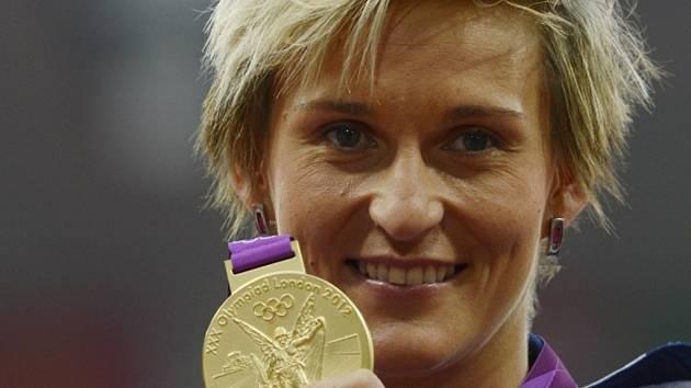 Oštěpařka Barbora Špotáková se zlatou medailí na olympijských hrách v Londýně.