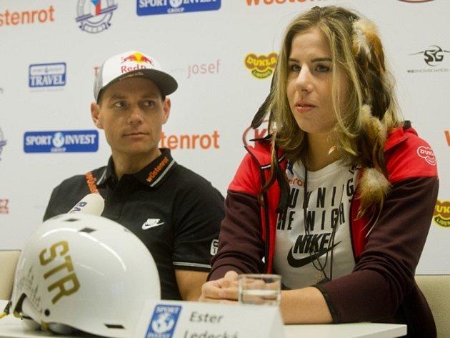 Snowboardistka Ester Ledecká a skikrosař Tomáš Kraus.