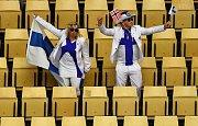 Finští fanoušci si evidentně užívali prostoru v publiku.