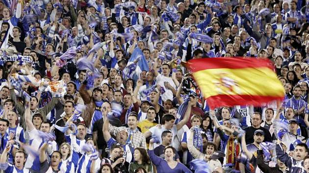 Fanoušci Espaňolu slaví vysoké vítězství nad německým soupeřem z Brém.