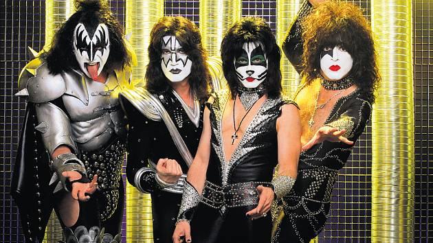 ROCKOVÝ KOMIKS. Americká čtveřice Kiss může díky slavným maskám kašlat na ubíhající čas.