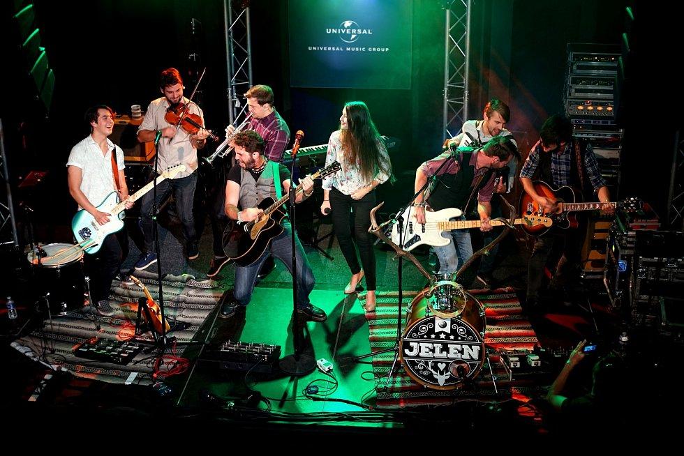 Skupina Jelen na showcase vydavatelství Universal Music.