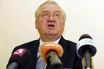 Zavlečení syna bývalého slovenského prezidenta Michala Kováče mladšího do Rakouska v roce 1995 provedla slovenská tajná služba (SIS), která si na sledování své oběti najala členy podsvětí.