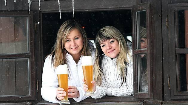 Rok 2010 otevřeli v minipivovaru na Zámku v Ostravě-Zábřehu výstavem nového piva. Jde o takzvané bílé pivo, čepuje se do vysokých sklenic s jemným zábrusem, které zvýrazní jak jeho barvu, tak jeho chuťové vlastnosti.