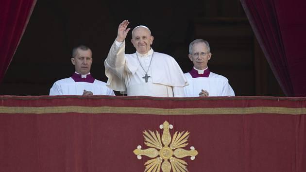 Papež František při tradičním vánočním poselství Městu a světu (Urbi et orbi).