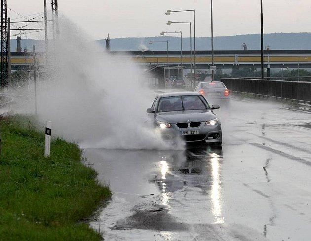 Silné přívalové deště a ničivý vítr  - ilustrační foto