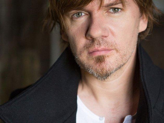 Michal Hrůza se vydal na miniturné, jen tři unikátní koncerty odehraje v Praze, Brně a Pardubicích.