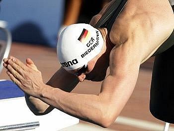 Němec Biedermann se na dvoustovce volným způsobem blýskl světovým rekordem.