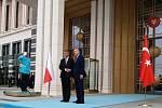 Český premiér Andrej Babiš (vlevo) se při své návštěvě Turecka 3. září 2019 v Ankaře setkal s tureckým prezidentem Recepem Tayyipem Erdoganem (vpravo).
