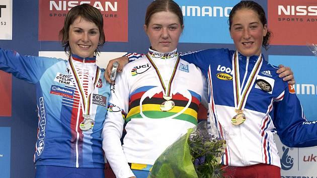 Česká cyklistka Jitka Škarnitzlová získala stříbro v cross country juniorek na mistrovství světa horských kol.