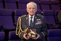 Bývalý stíhací pilot Emil Boček