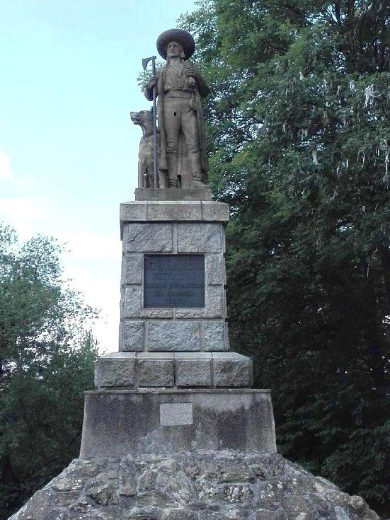 Chodsko. Pomník Jana Sladkého Koziny na Hrádku