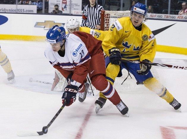 Jakub Vrána (vlevo) vstřelil Švédům dva góly, na výhru to nestačilo.