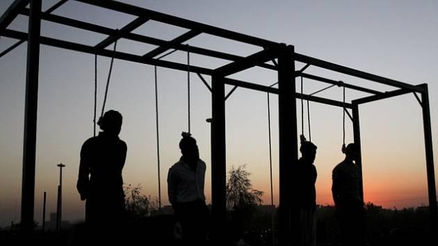 Hromadná poprava v Íránu. Ilustrační snímek