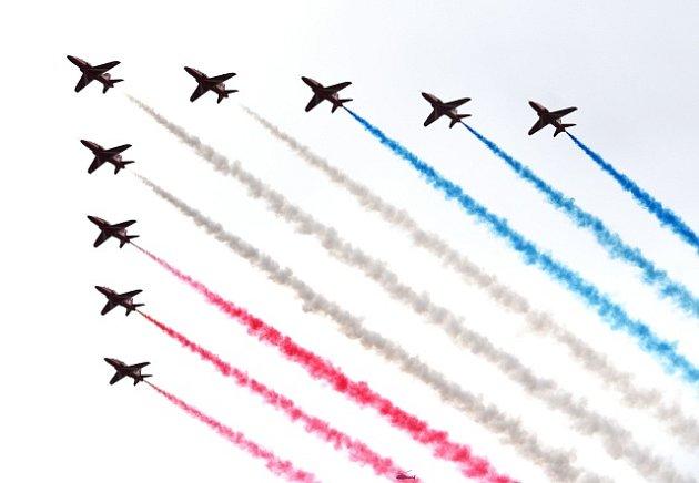 Letecká přehlídka u příležitosti 100. výročí vzniku RAF.