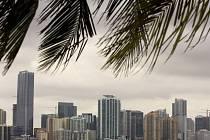 Známý pohled na Miami a jeho nablýskané věžáky u pobřeží. To je však silně znečištěné splaškovými vodami.