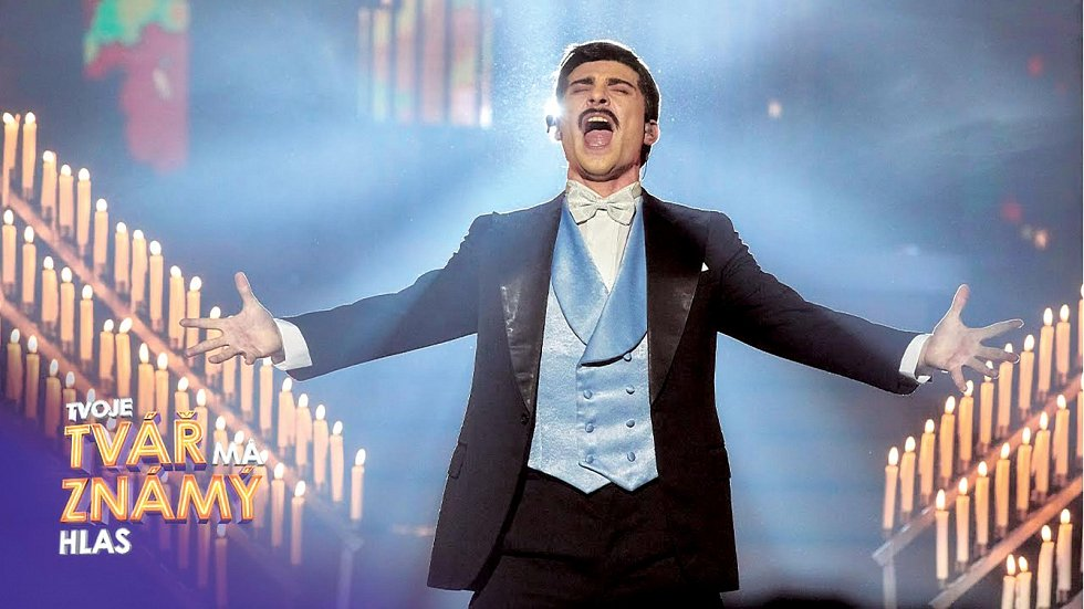 V loňské řadě populární soutěžní show Tvoje tvář má známý hlas zvítězil. Převtělil se mimo jiné i ve Freddieho Mercuryho.
