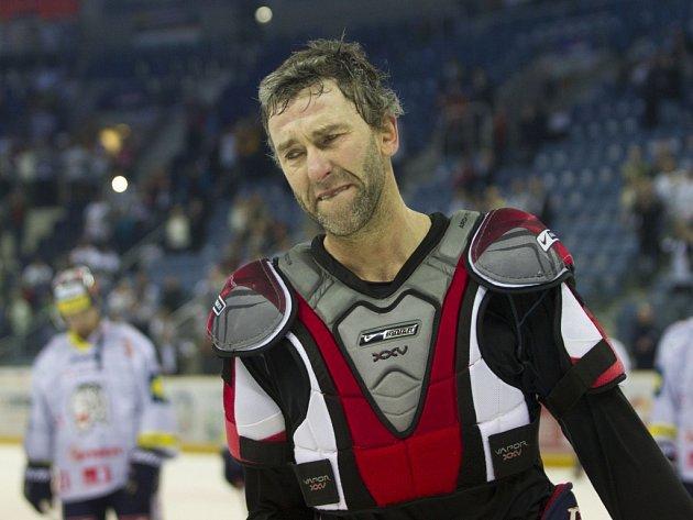 Dojatý Petr Nedvěd se loučí s fanoušky Liberce, odehrál poslední zápas v kariéře.