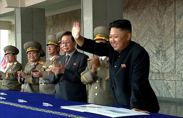 Kim Čong-un na vojenské přehlídce, ilustrační foto