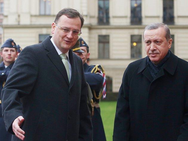 Premiér Petr Nečas přívítal 4. února na Úřadu vlády svého tureckého protějška Recepa Tayyipa Erdogana.