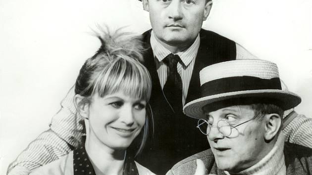 Trojice Molavcová, Suchý, Šlitr se mohla na této fotografii potkat jedině díky fotomontáži.
