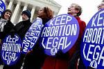 Protesty proti zákazu potratů v Irsku