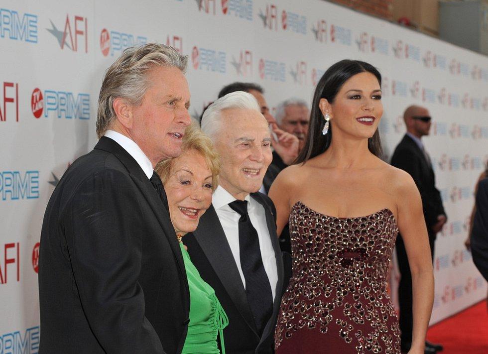 Michael Douglas, Catherine Zeta-Jones, Kirk Douglas a Anne Douglas
