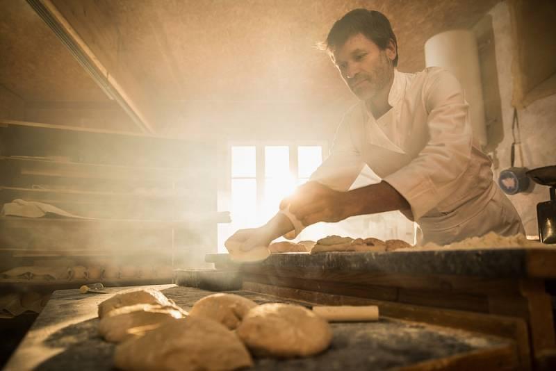 U kynutého těsta bylo možné nejlépe poznat, jak mouka pomáhá kvasinkám při kypření, ischopnost lepku zajistit pečivu výrazně klenutý tvar.