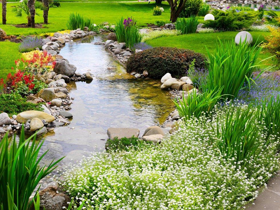 Zatímco příroda odpočívá, vy můžete začít dávat svým snům o přívětivé zahradě reálnější podobu.