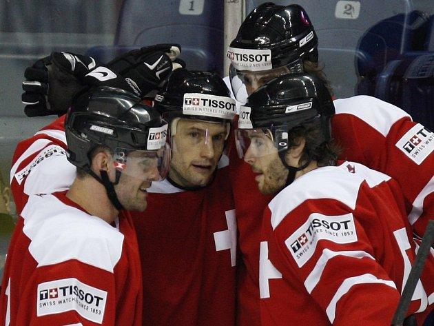 Švýcaři porazili v úvodním utkání MS Francii.