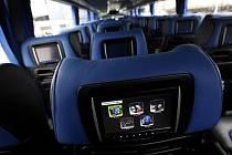 Radim Jančura, majitel společnosti Student Agency, představil 8. srpna v Praze nové autobusy Student Agency express.