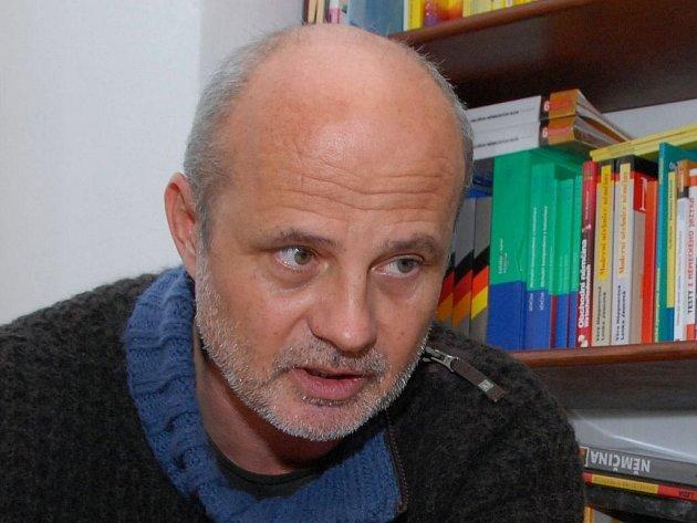 Textař Michal Horáček doma, v Roudnici nad Labem, kde žije s ženou a malou dcerkou.