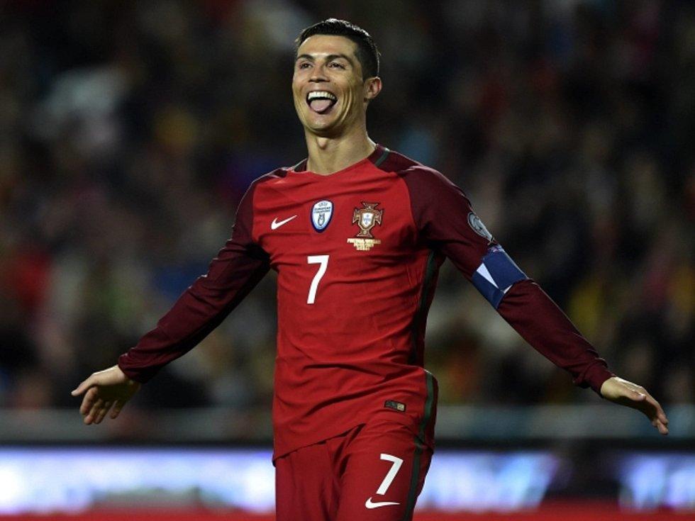 Portugalský kanonýr Cristiano Ronaldo.