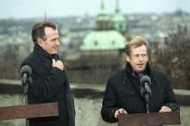 George Bush starší (vlevo) a Václav Havel.