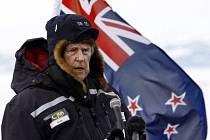 První člověk na Mount Everestu Edmund Hillary.