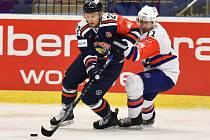 Hokejisté Vítkovic (v modrém) proti Mannheimu.
