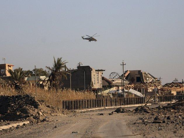 Irácké jednotky s podporou polovojenských sil a letectva zahájily nový útok proti radikálnímu Islámskému státu zhruba sto kilometrů severně od metropole Bagdádu.
