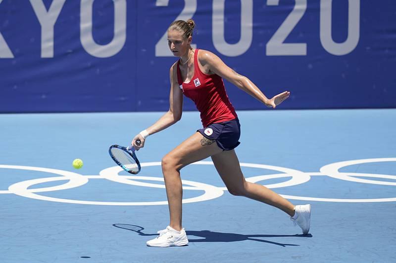 Tenistka Karolína Plíšková si v 1. kole olympijského turnaje v Tokiu snadno poradila s Francouzkou Alizé Cornetovou.