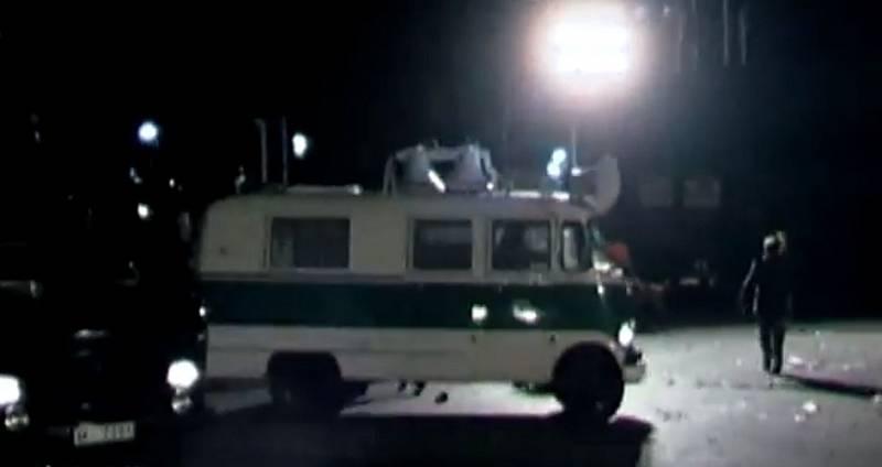 Na místě zůstalo také přes 200 zraněných lidí, záchranka tak měla co dělat