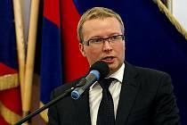 Premiér Petr Nečas (ODS) podle očekávání vybral do funkce ministra životního prostředí poslance a starostu Prahy 6 Tomáše Chalupu z ODS.
