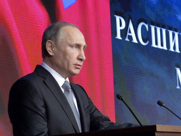 Okamžitou likvidací jakéhokoli cíle, který by ohrozil ruské síly v Sýrii, dnes pohrozil ruský prezident Vladimir Putin.