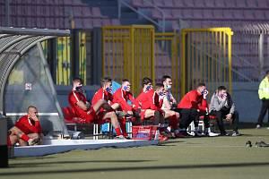 Fotbalový turnaj na Maltě: Na lavičku jen v roušce (na snímku hráči Brna)